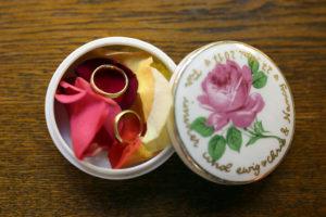 Individuelle Ringschale aus Keramik